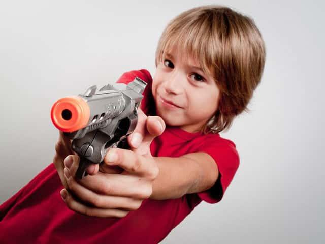 Польза от игры в детское оружие фото