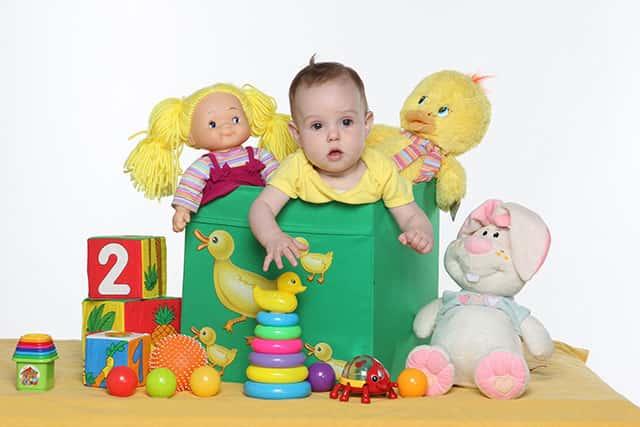 Как выбрать игрушку для ребенка картинка