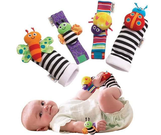 Браслет-погремушка на руку малышу фото